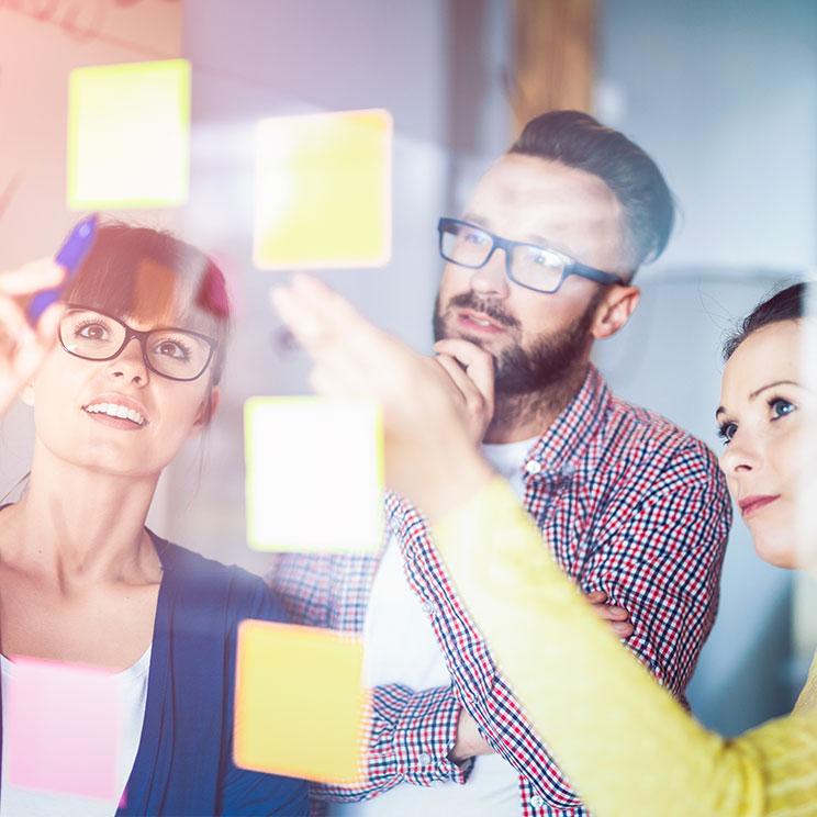 https://erfolgreicher-kommunizieren.de/wp-content/uploads/2018/08/training-team-teambuilding.jpg